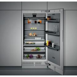 """GAGGENAU """"RC492304"""" Réfrigérateur tt intégrable Ht 91,4 cm  """"Vario""""  Série 400 ouvert"""